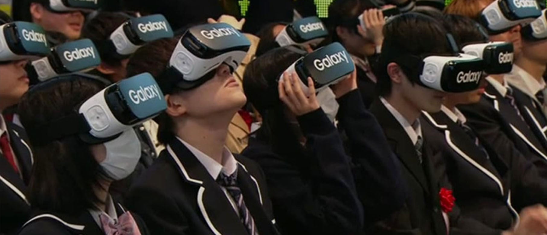 disadvantages of virtual reality While virtual reality can be used as a training tool for industries such as medicine and transportation, it has also been used as a means to help individuals overcome phobias, and is a growing form of entertainment it is also a largely untested technology that could have adverse side-effects on the.